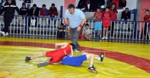 Siirtli Güreşçi Türkiye Şampiyonu Oldu