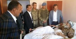 Kaymakam Dayanç,Dünyanın En Yaşlı İnsanı Mehmet Esen'i Hastanede Ziyaret Etti
