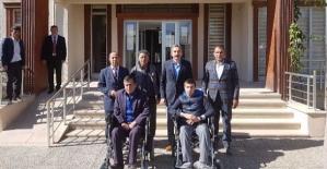 Kaymakam Dayanç, Engelli İki Vatandaşı Sevindirdi