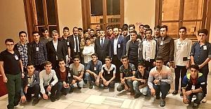 Milletvekilimiz Yasin Aktay, Çanakkale Gezisine Giden Öğrencileri Mecliste Ağırladı