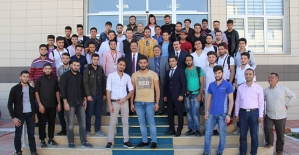 Rektör Erman, Yabancı Uyruklu Öğrencilerle Yemekte Bir Araya Geldi