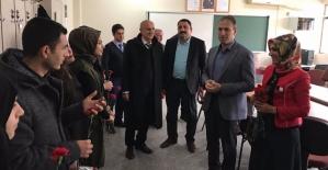 AK Parti Siirt İl Teşkilatı Öğretmenleri Unutmadı
