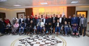 Belediye Başkanı Taşkın'dan Engellilere Akülü Araç