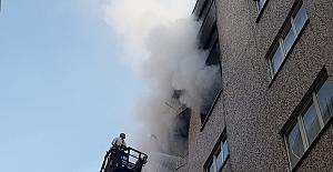 Binanın 4. Katında Çıkan Yangın Korkuttu