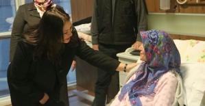 Vali Eşi Fulya Atik, Devlet Hastanesinde Yatan Hastaları Ziyaret Etti