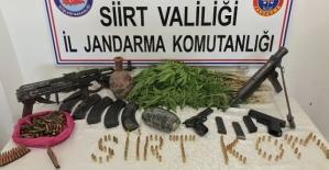 Kurtalan'da Bir Evde Yapılan Aramada Çok Sayıda Silah ve Uyuşturucu Ele Geçirildi