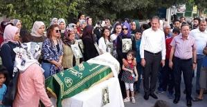 """AK Kadınlardan Minik Eylül İçin """"Tabutlu"""" Protesto"""