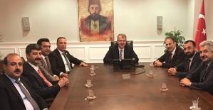 AK Parti Heyeti, Karayolları Genel Müdürü ve Sağlık Bakan Yardımcısı İle Görüştü