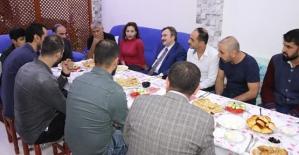 Başkan Taşkın, Medine Caddesi Esnafı İle Kahvaltıda Bir Araya Geldi