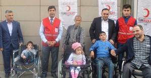 Kızılay'dan Engellilere Tekerlekli Sandalye Desteği