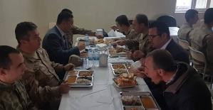 Şirvan Kaymakamı Memiş İnan'dan Askerlere Moral Ziyareti