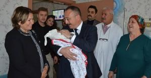 Vali Ali Fuat Atik, Şehit Eşini Hastanede Ziyaret Etti