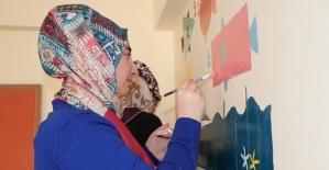 Siirt Belediyesi Kurs Öğrencileri Sınıf Boyadı