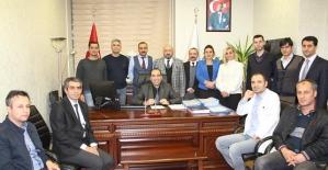 Tıp Fakültesi Dekanı Prof. Dr. Vefik Arıca, Başhekim Sedat Yeşilbaş'ı Makamında Ziyaret Etti