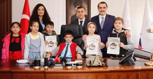 Bakan Dönmez, Koltuğunu Siirt Şehit Orgeneral Eşref Bitlis İlkokulu Öğrencisi Mustafa Umeyr Akay'a Devretti