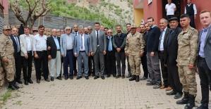 Tillo Kaymakamı Erkan Savar Taşbalta Köyünde Halk Toplantısı Düzenledi