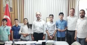 Siirt'te Ramazan ve İnfak Konulu Resim ve Kompozisyon Yarışmasında Dereceye Girenlere Ödül Verildi