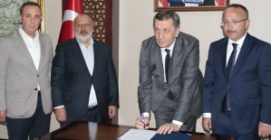 Mili Eğitim Bakanı Ziya Selçuk Siirt'te