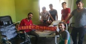 Siirt UltrAslan Taraftar Gurubundan Engelli Gence Tekerlekli Sandalye