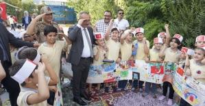 1300 Öğrenci Aynı Anda Resim Çizerek Barış Pınarı Harekâtına Destek Verdi