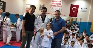 Mehmetçik İlköğretim Okulunda Tekvando Kuşak Sınavı Yapıldı