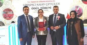 Siirtli Kadın Çiftçimiz Nurcan Deniz Türkiye İkincisi Oldu