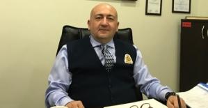 """Vali Atik, Eski Devlet Hastanesi İdari Mali İşler Müdürü Şeref Alper Işık'ı """"Üstün Başarı Belgesi"""" İle Ödüllendirdi"""