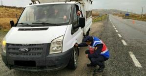 Jandarma, Kış Lastiği Takmayan 22 Sürücüye Ceza Kesti