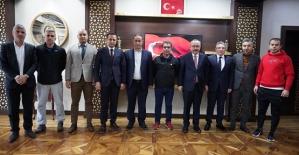 Siirt ASKF Başkanı Akıncı ve Amatör Spor Kulüp Başkanları Vali Atik'i Ziyaret Etti