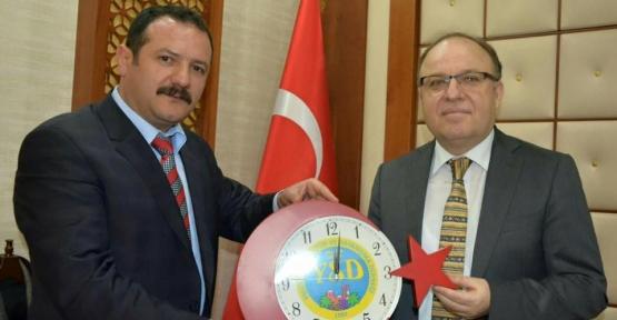 Yalova Siirtliler Derneği Başkanı Babaoğlu'ndan Vali Tutulmaz'a Ziyaret